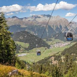 Bereits in Österreich: Blick auf Nauders