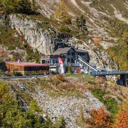 Der Blick zurück auf die Bergstation der Standseilbahn