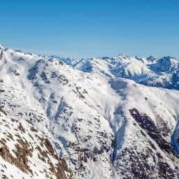 Bellwald mit Skigebiet und teilweise schon grossen Lawinenabgängen.